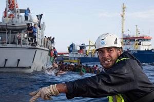 """""""Racconto l'orrore del naufragio perché si fermi la tragedia nel Mediterraneo"""""""